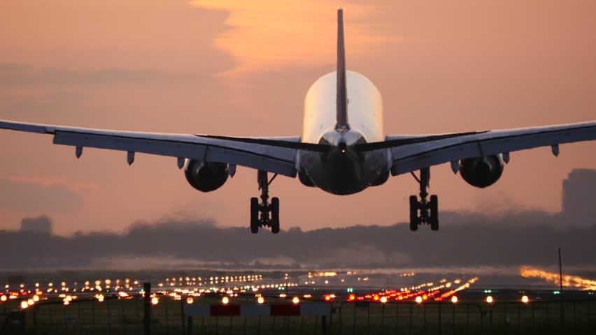 4K Plane landing