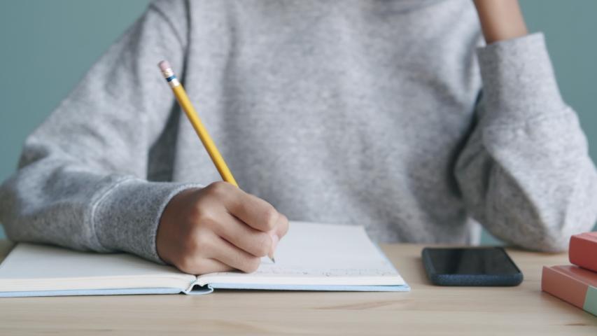 Menjaga Kesehatan Mental Anak dari Dampak Sekolah Ditutup