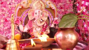 Video of Lord Ganesha's Aarti