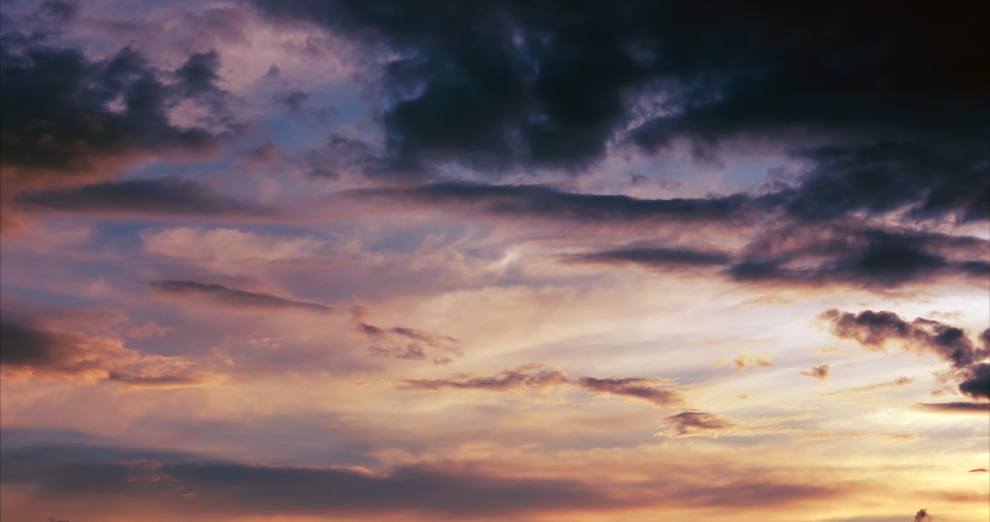 Time lapse clouds 4k rolling puffy cumulus cloud Royalty-Free Stock Footage #1054566236