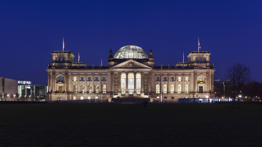 Night Time Lapse of Reichstag Building, Berlin, Germany