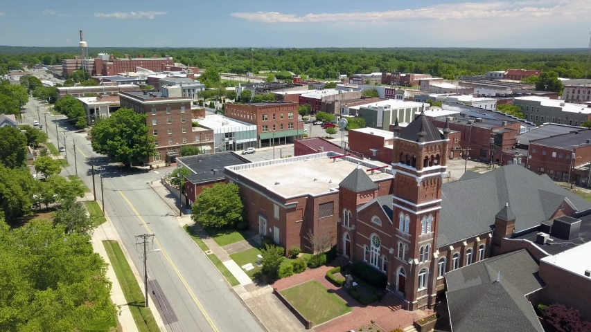 Aerial Push into Reidsville North Carolina, Reidsville North Carolina Small Town America | Shutterstock HD Video #1055965499