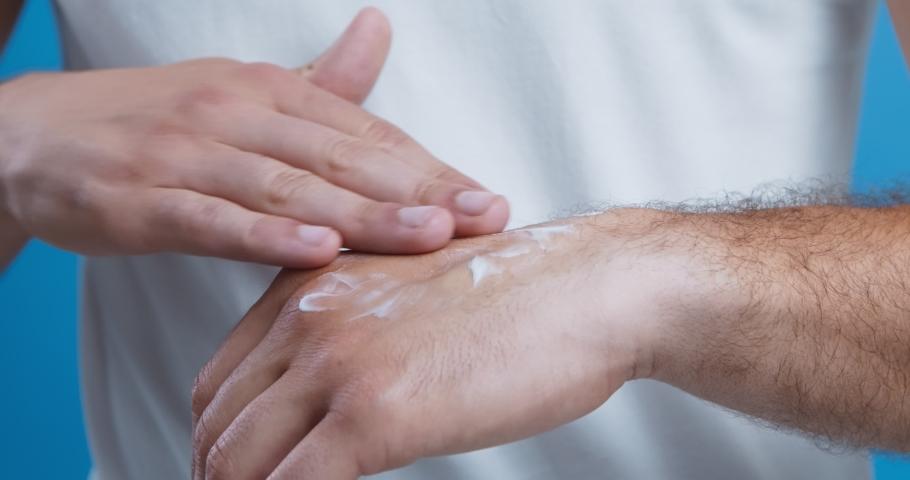 5 Kiat Perawatan Kulit Pria Agar Tetap Segar
