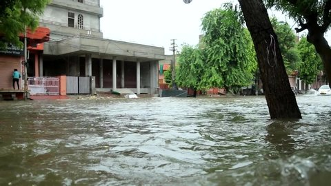 Jaipur,Rajasthan,India.14-August-2020. Life in pink city Jaipur paralyzed after record breaking heavy rains. Traffic wading through water logged roads.Transportation disrupted due to heavy rain.