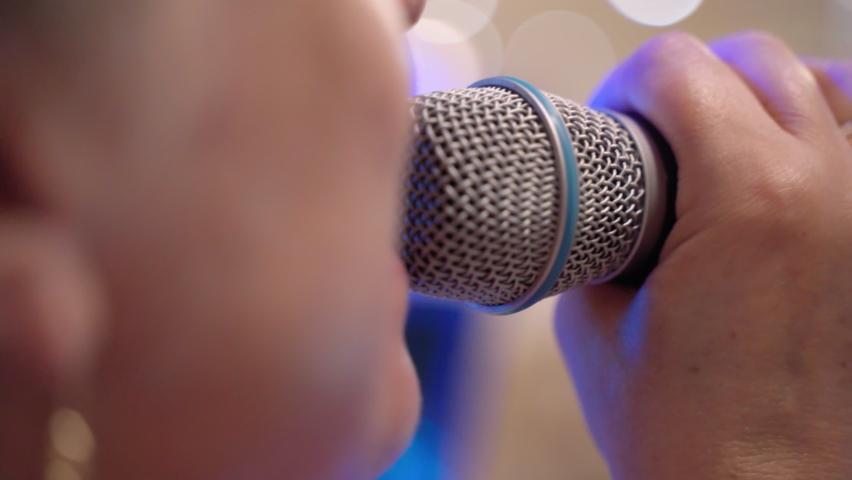 Etika di Noraebang Ruang Karaoke di Korea Selatan