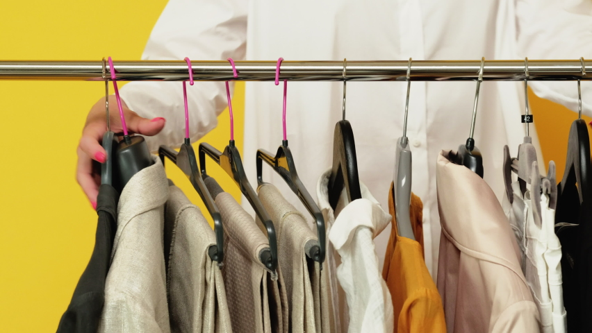 Cara Hemat Membeli Pakaian Tapi Tetap Modis