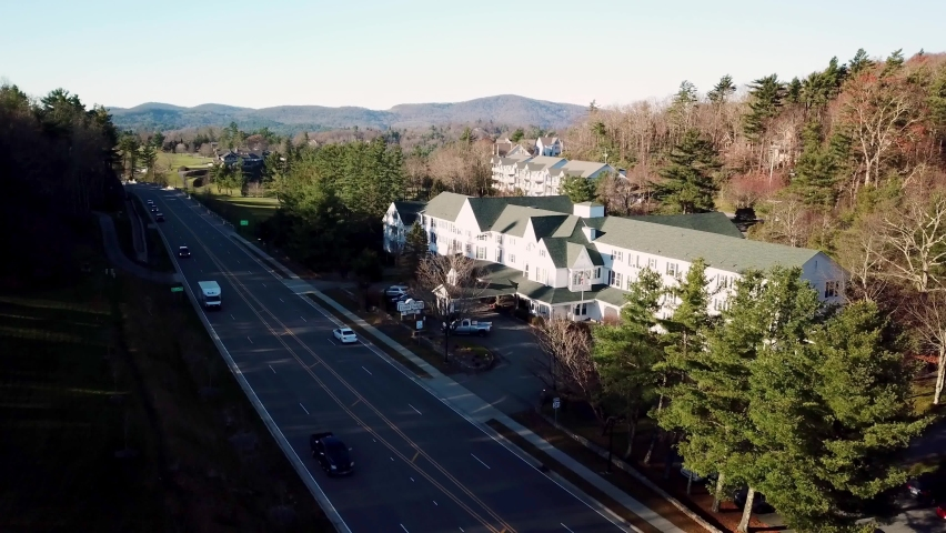 Aerial Push Blowing Rock NC, Blowing Rock North Carolina, Green Park Inn in 4k