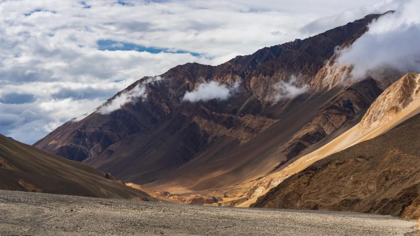 4K Timelapse of sunrise at Pangong lake, Ladakh, Jammu and Kashmi, India