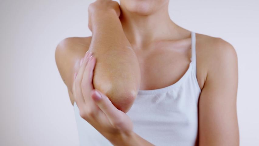 Cara Alami Mencerahkan Siku dan Lutut yang Gelap