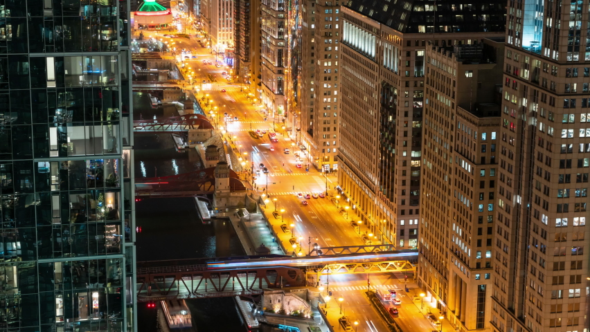 Chicago Riverwalk at Night - Traffic Timelapse