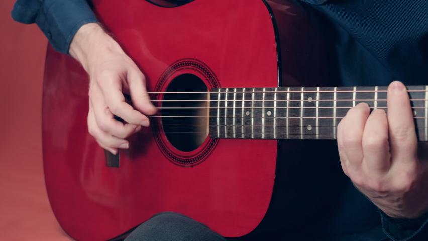 Panduan Cara Membersihkan Gitar Akustik