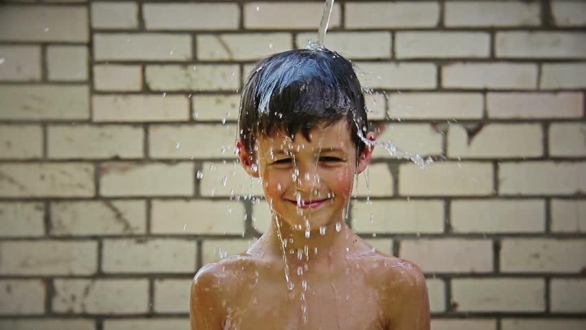 Boy Pours Water, Naked Boy: Video de stock (totalmente libre de regalías) 11787938 | Shutterstock->