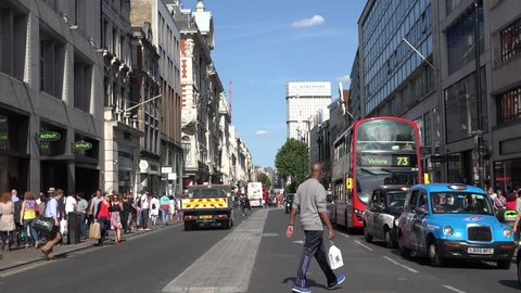 LONDON - ENGLAND, JUNE 5, 2015, 4K Busy street in downtown by day