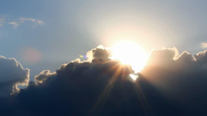 Timelapse with Sun Behind Clouds : vidéos de stock (100 % libres ...