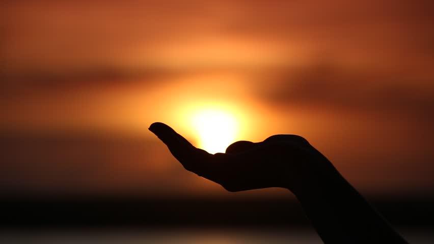 Sun On Female Hand. Silhouette Arkivvideomateriale (100 % royaltyfritt)  13109906 | Shutterstock