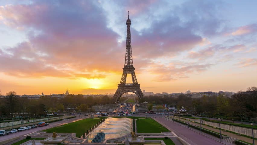 4K timelapse of Paris at sunrise with the Eiffel Tower at the Trocadero gardens