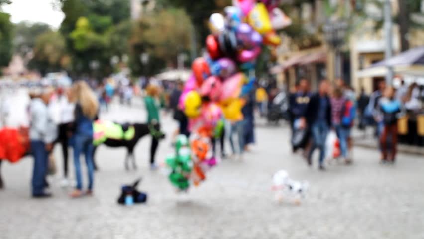 Street, people, traffic, blurred background  /  Street, people , traffic  blurred background Full HD #16683085