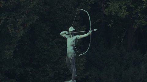 Archer Sculpture, Statue at the elbe river in dresden germany