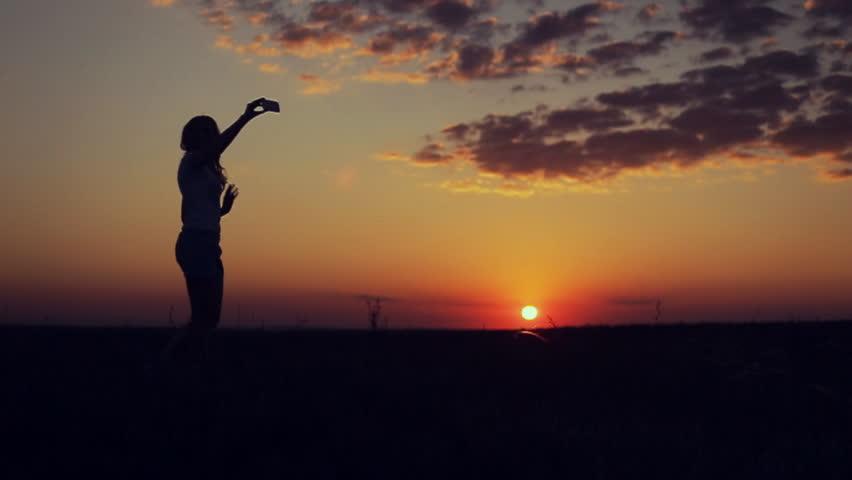7 Cara Membatasi Diri dari Orang Narsis