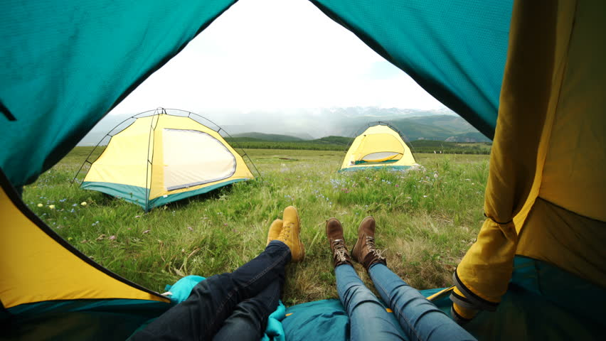 Couple in Camping with Campfire Stok Videosu (%100 Telifsiz) 18431779 |  Shutterstock