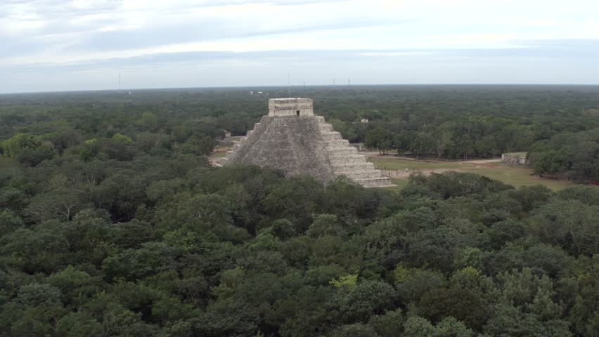 Chi chen Itz One of the Seven Wonders of the World, aerial shots