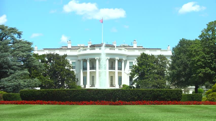 Washington DC - The White House / Lawn