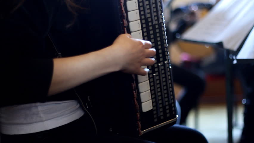 Play on accordion