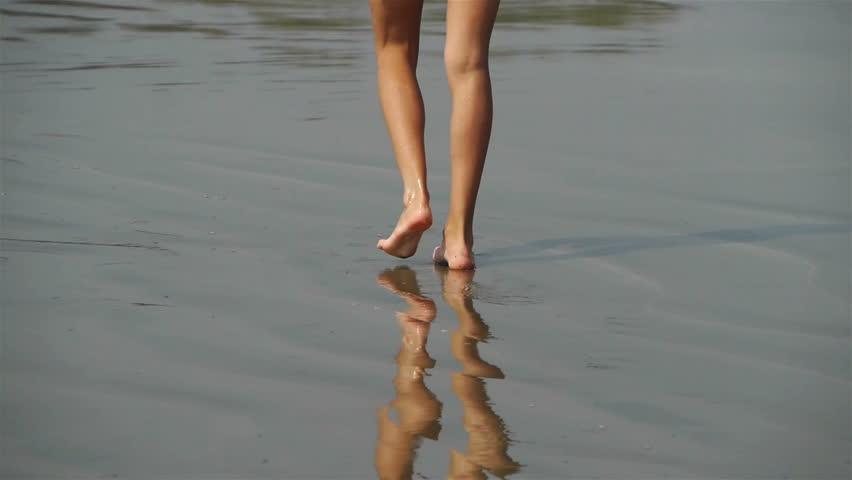 Walking on the sand | Shutterstock HD Video #2088551