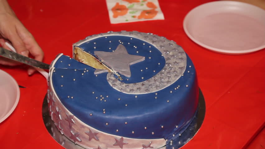Admirable Women Cut The Cake Decorated With Star On Children Birthday Party Personalised Birthday Cards Veneteletsinfo