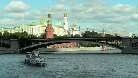 01.09.2016 Moscow. Navigation on the Moscow river.