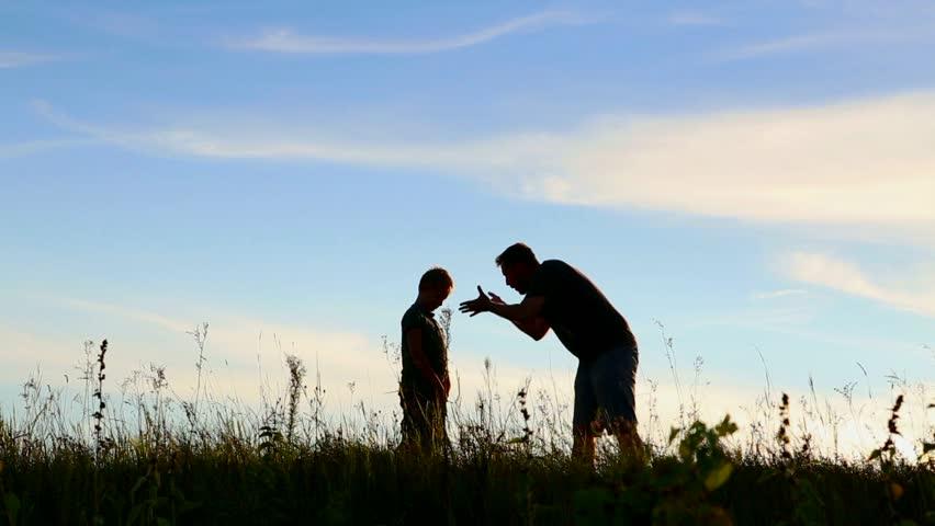 Cara Mengajarkan Anak untuk Berpikir Sebelum Bertindak