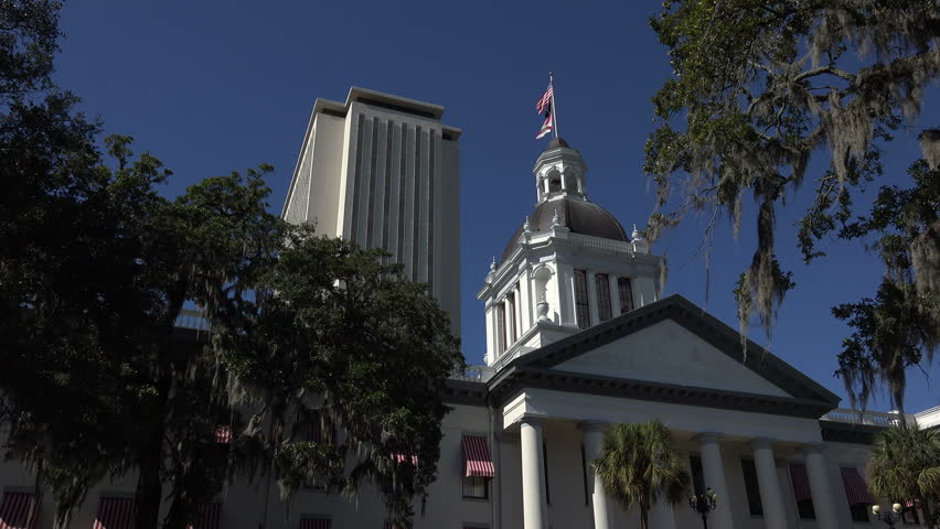 Florida bill marries school vouchers, discrimination rules