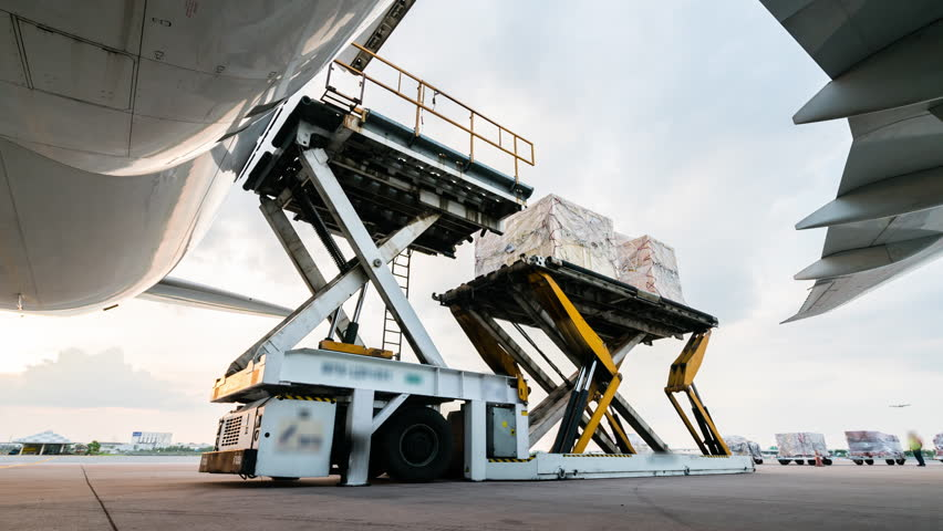 unload cargo for air freight logistic