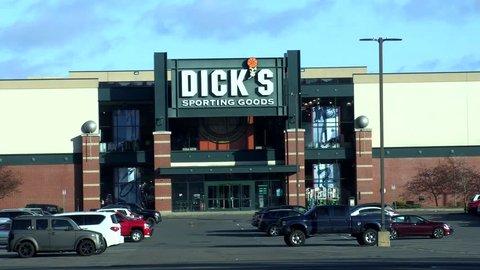 dicks sporting goods danvers ma hours