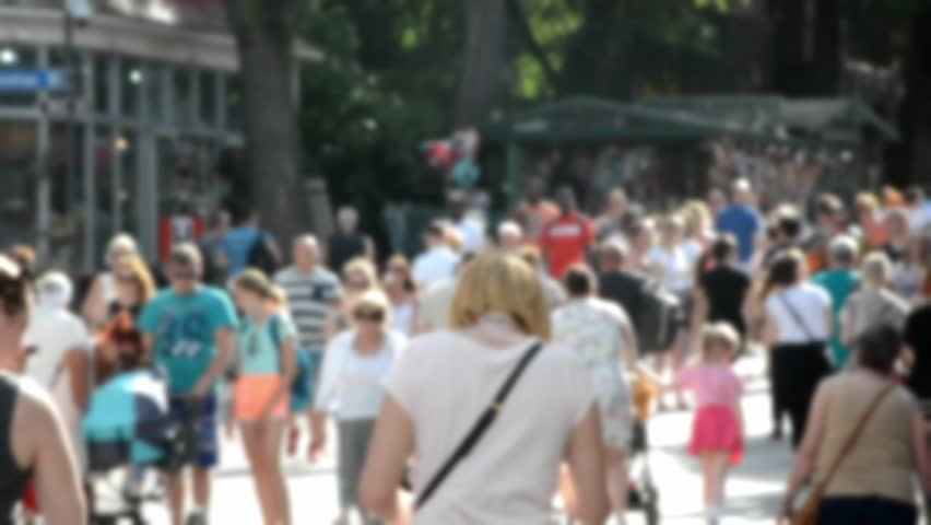 Anonymous crowd of tourists #27342841