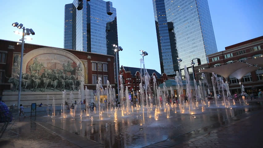 SUNDANCE SQUARE FORT WORTH MAY 2017: Historic Sundance Square in downtown Fort Worth is a 35-block development filled with boutiques, and restaurants, making it a busy entertainment district in Texas.