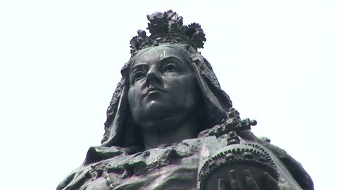 Close up of Queen Victoria bronze statue in Queen Victoria Square, Hull  East Yorkshire, UK