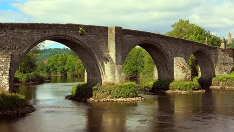 4k footage of the Old Stirling Bridge on a bright sunny day.