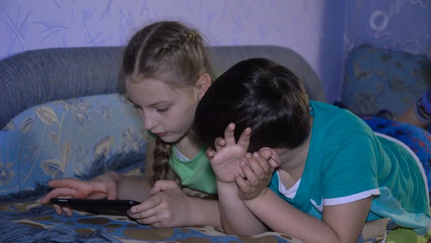 Голые Брат Трахнул Сестру Порно