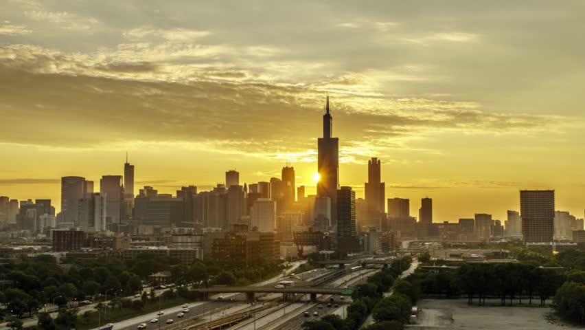 Time Lapse of a Sunrise over the Chicago Skyline - 24 FPS