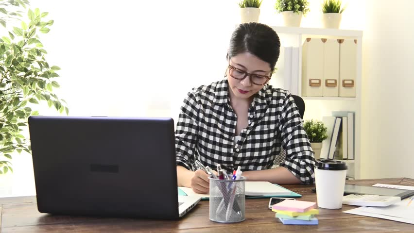 pretty young business woman worker working at home and having difficulty problem looking at air daydreaming to think solution. Royalty-Free Stock Footage #30508051