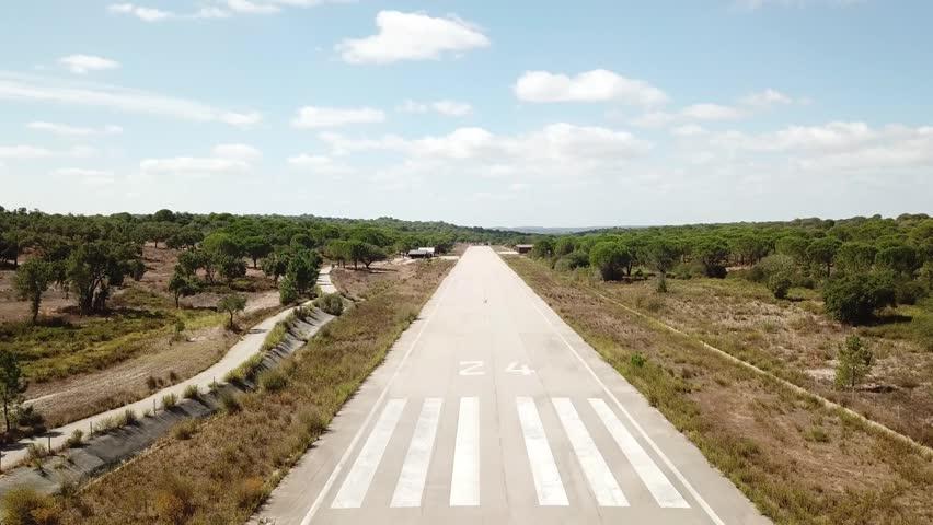 Abandoned Runway landing - from start of runway