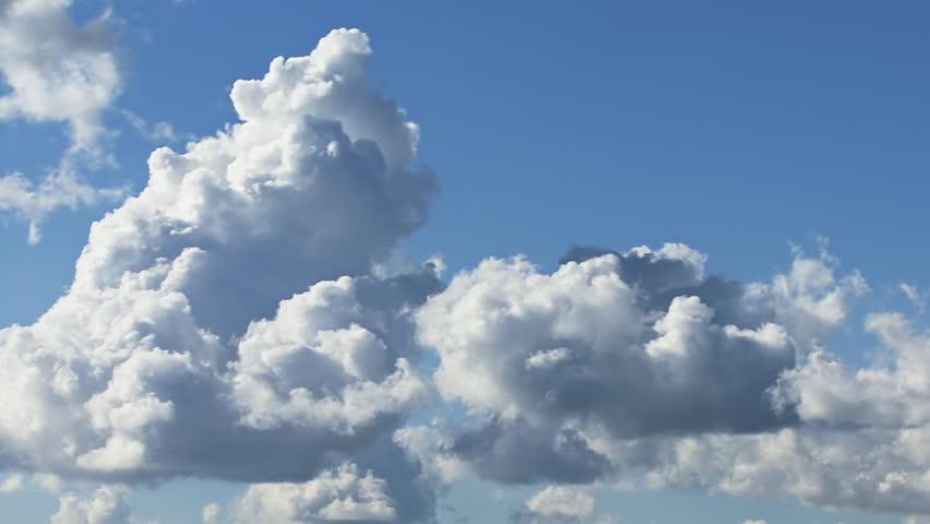 Towering Cumulus Cloud Billows Time Lapse #3116911