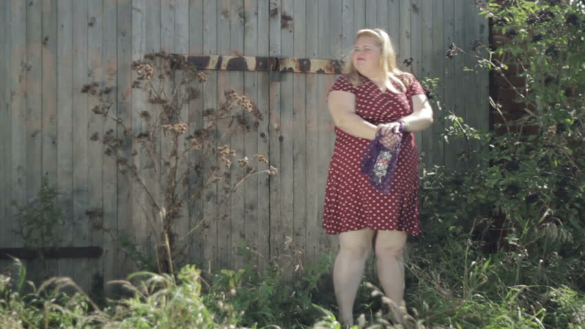 Голые Толстые Тетки В Деревне