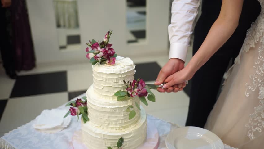 Wedding Cake The Cutting Of The Stock Footage Video 100 Royalty Free 31310260 Shutterstock