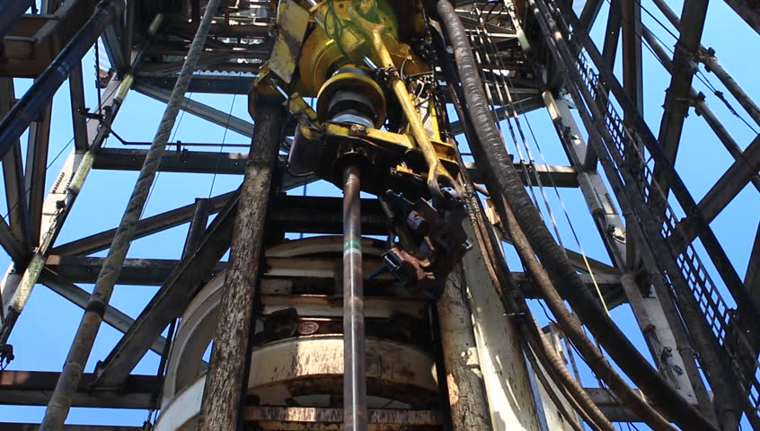 Top Drive System (TDS) Spinning for Oil Drilling Rig - Oilfield Industry  #3269498