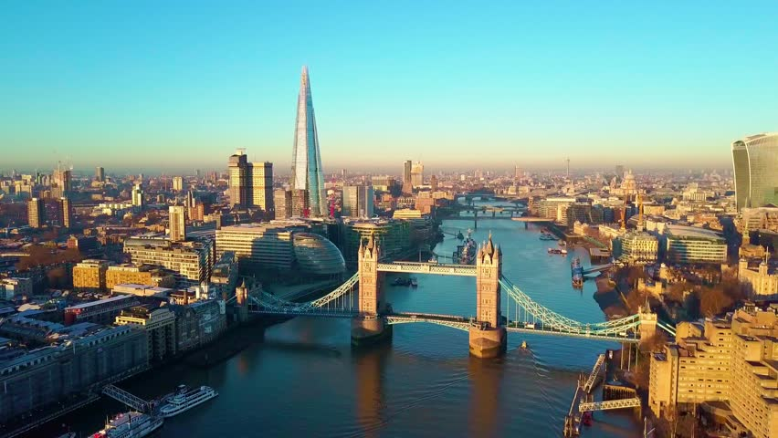 Aerial panning video of London and the River Thames #32883892
