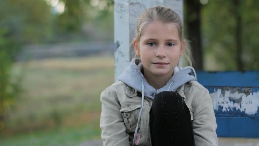 「Pretty Preteen Girl Child Calm」の動画素材(ロイヤリティフリー)34249306   Shutterstock
