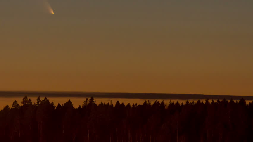 Comet Pan-STARRS (C/2011 L4), time-lapse, just after sunset in Sweden, Mar 2013.