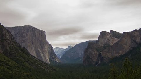 Time lapse cloudy morning at Yosemite Valley in Yosemite Nation Park, California, USA